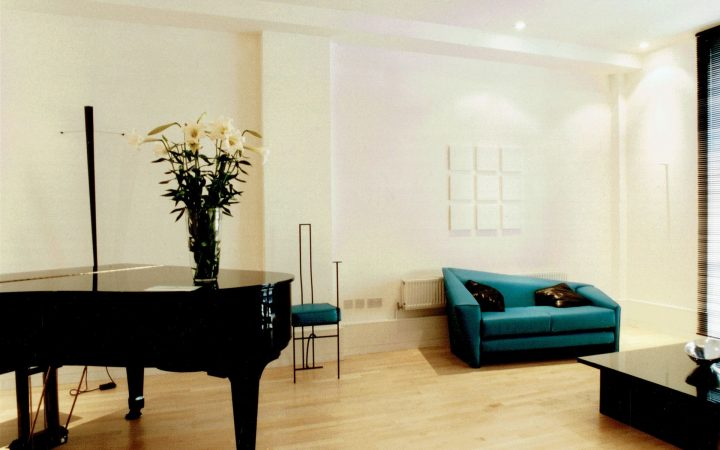 Two Bedroom Show Flat in the Foundry, London